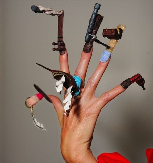 Crazy nails and girls. What the ...?!